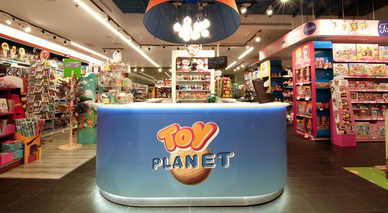 allways_strategic_retail_design_toy_planet_02