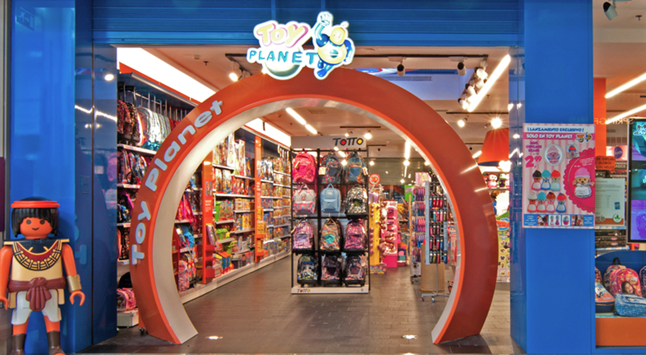allways_strategic_retail_design_toy_planet_04